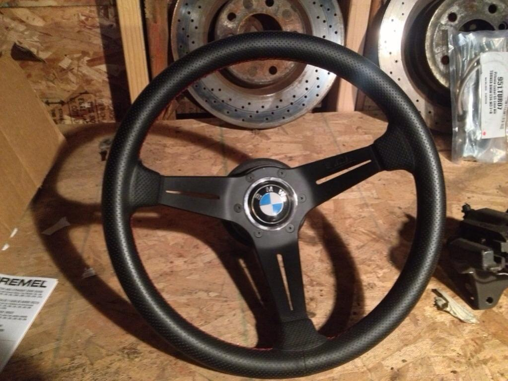 fs nardi steering wheel w bmw horn button r3vlimited forums. Black Bedroom Furniture Sets. Home Design Ideas